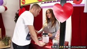 Image Brazzers – Mommy Got Boobs – Mommy Mans the Kissing Booth scene starring Kianna Dior and Danny Mount