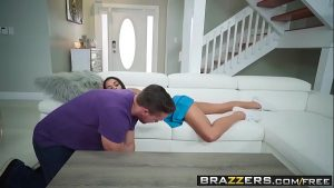 Image Brazzers – Vienna Black and Kyle Mason trying Fidget Spinner