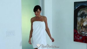 Image PureMature – Career woman Lisa Ann unwind with sexy massage